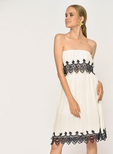 Loves You Dantel Detaylı Carmen Yaka Krinkıl Elbise Beyaz